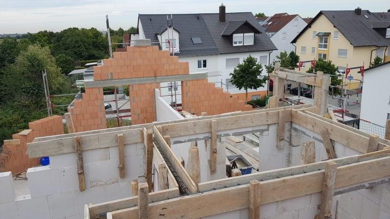 Ringanker Bewehrung zum Tragen der Dachkonstruktion