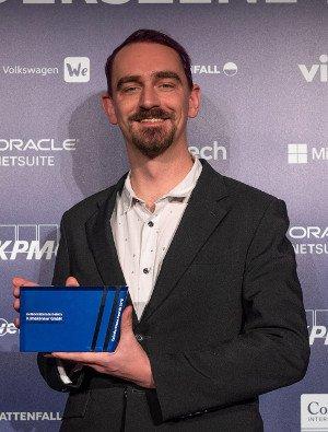 """Florian Zeidler in Berlin bei der Übergabe der Auszeichnung """"Kategoriesieger Energie"""" des Gründerszene Wachstums-Rankings"""
