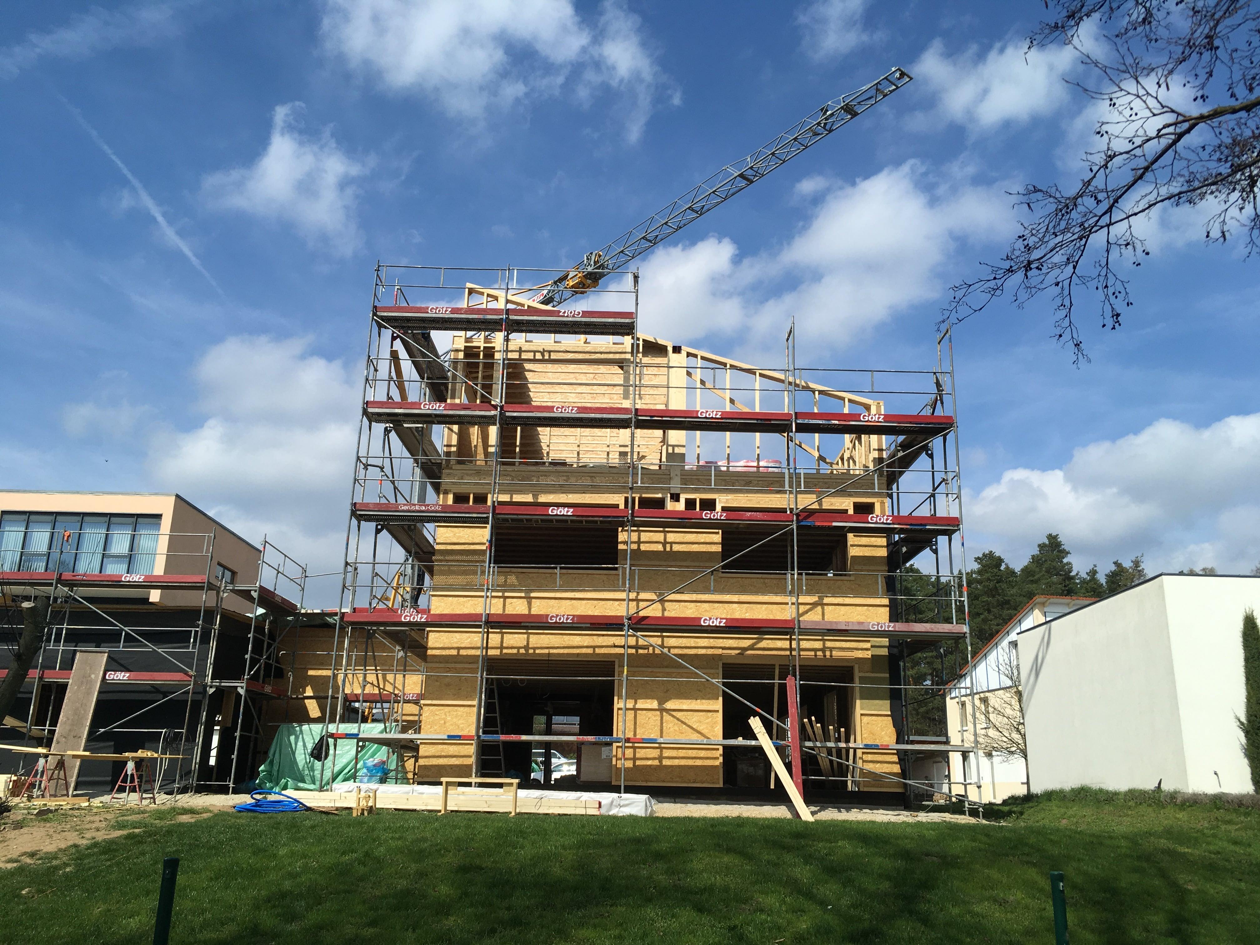 Neubau Bürogebäude mit Wohnung und Garage bei Fürth